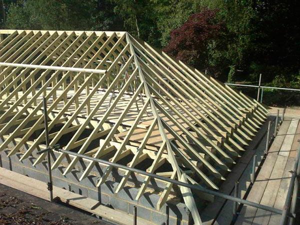 фото стропильной системы вальмовой крыши