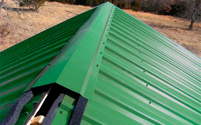 конек на крыше из профнастила