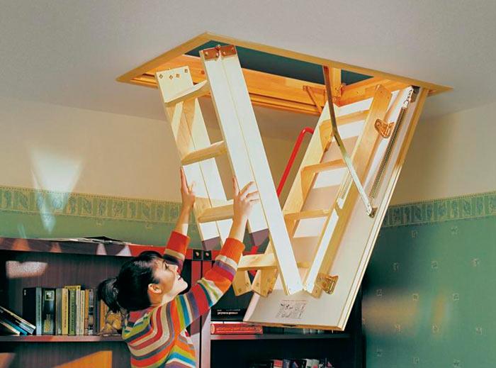 раскладная лестница ведущая на чердак