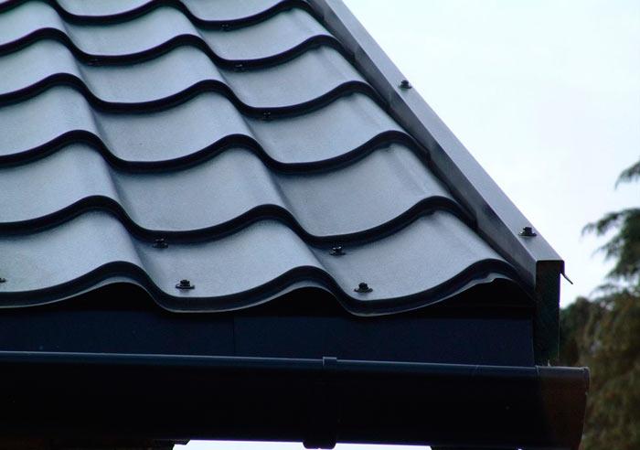 крепление металлочерепицы на крышу