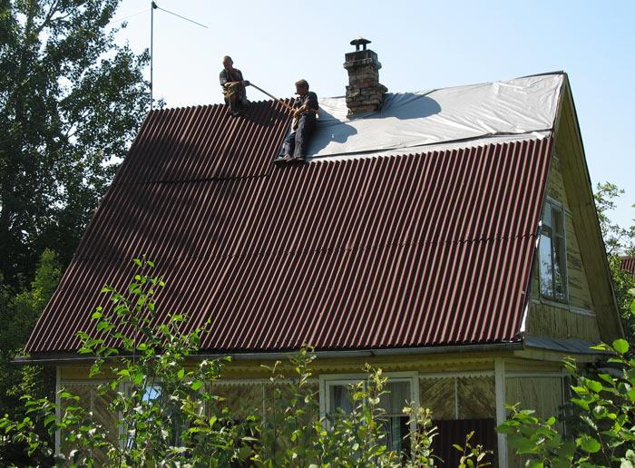 монтаж ондулина на крышу частного дома