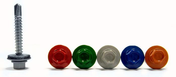 разнообразие цветов кровельных саморезов для крепления металлочерепицы