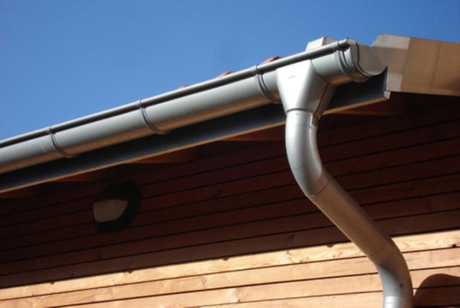 водосток из титан-цинка для крыши
