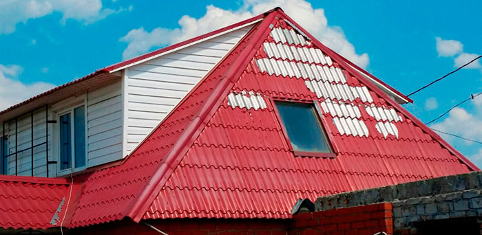 некачественная металлочерепица на крыше