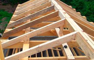 стропила на крыше дома - миниатюра