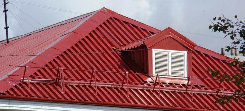 крыша из профлиста с доборными элементами