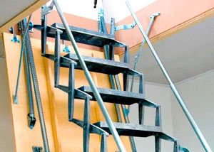 выдвижная лестница на чердак - миниатюра