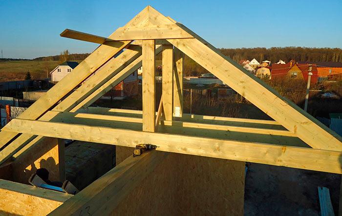 Как выставить стропила на двухскатную крышу